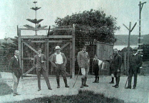 Felix von Luckener (centre) with some of the other detainees on Motuihe